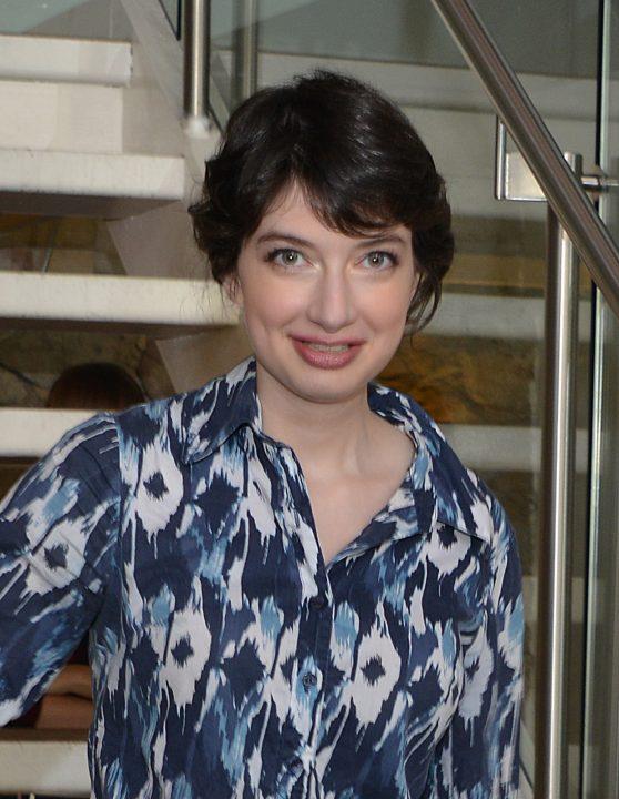 Headshot of Prof. Miriam Diamond.